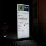 IHK Glaspylon Nürnberg nacht