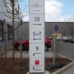 Werbepylon gerade mit Digitaldruck hansa park